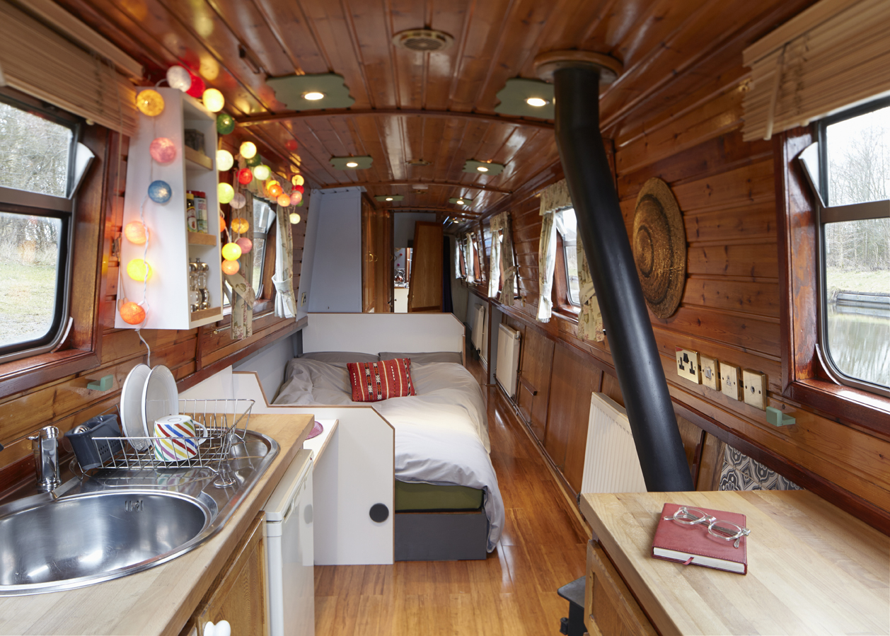 Hire the narrowboat gloria england uk star narrowboat holidays Small yacht bathroom design
